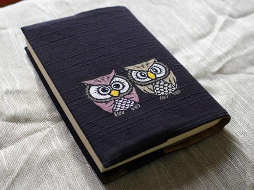 藍染手描きブックカバー 梟(フクロウ)