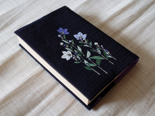 藍染手描きブックカバー 桔梗(キキョウ)