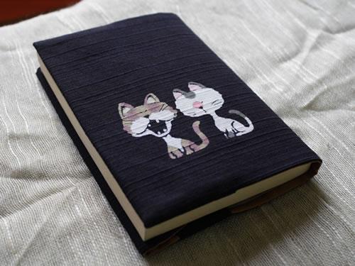 藍染手描きブックカバー 猫(ネコ)