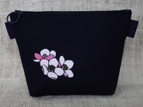藍染化粧ポーチ 桜(サクラ)